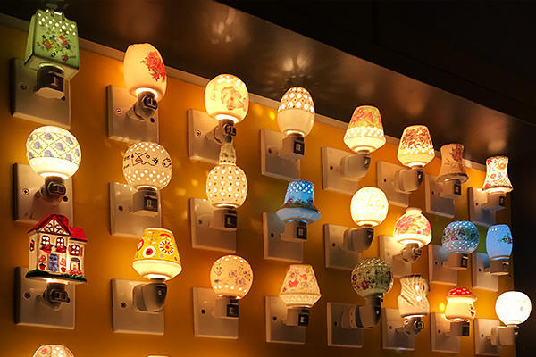 led night light features