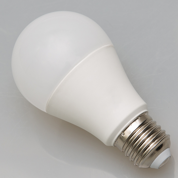 A60/A19 E26 standard bulb high CRI and lumens frosted plastic finish LED bulb