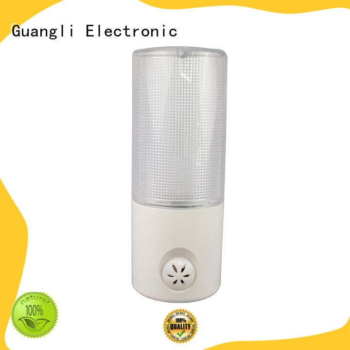 Guangli automatic plug in sensor night light with good price for indoor